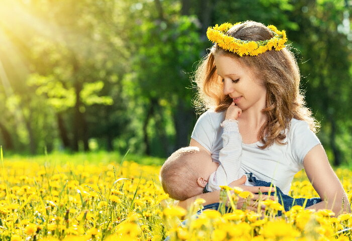 母乳派にも、ミルク派にも! 授乳期ママのお役立ちアイテム