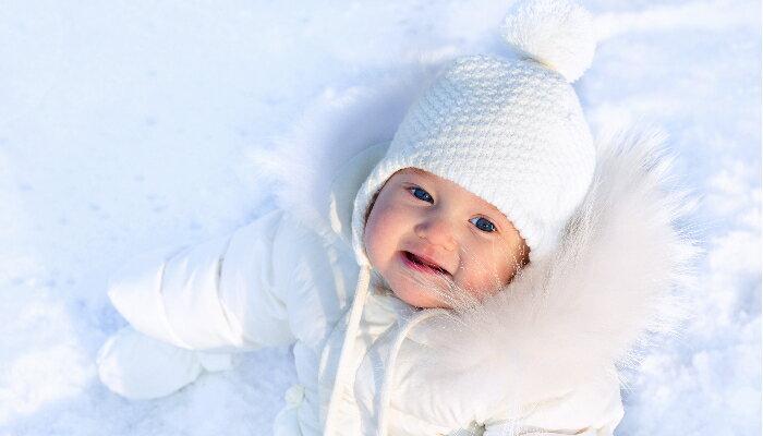 寒い日に大活躍!「寒さを楽しむ」ベビーの防寒グッズを集めました。