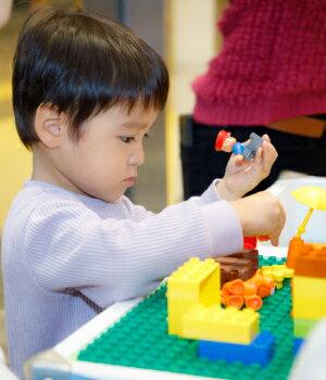 安心安全で成長に合わせて長く遊べる「レゴデュプロ」