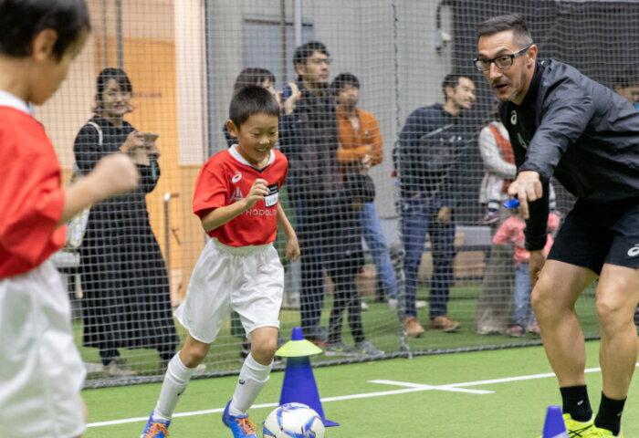 【ママの学校】サッカーがもっと好きになる!イニエスタ メソドロジーサッカー教室 ママの学校スペシャル