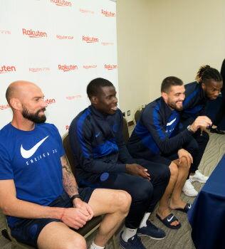 楽天ママ割Presentsサッカーの名門「チェルシーFC」の選手と話せるチャンス!?サッカー少年たちがスター選手に聞きたかったこと