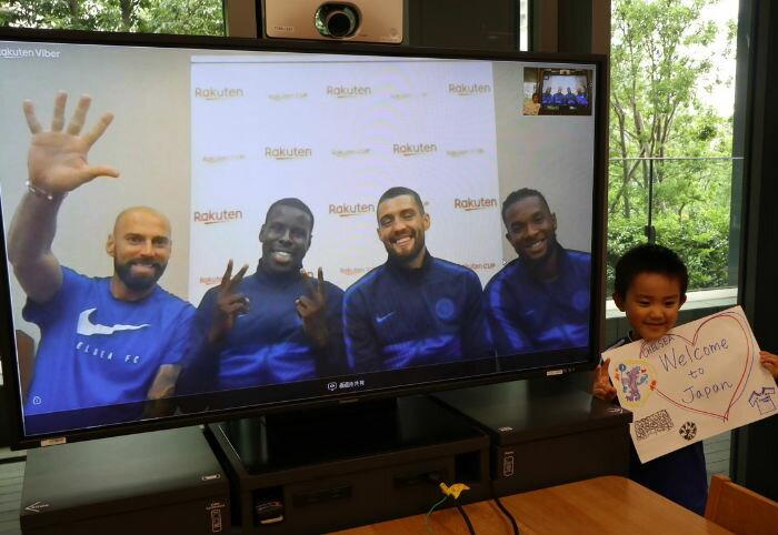 楽天ママ割スペシャル企画!サッカーの名門「チェルシーFC」の選手と話せるチャンスをサッカーキッズにプレゼントしました!
