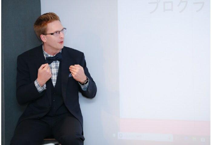 厚切りジェイソンさんインタビュー「僕は目標を立てるのが嫌い。それよりも大事なのは自分が一番活躍できる分野の知識を磨きながらずっとアンテナを張っていること。」