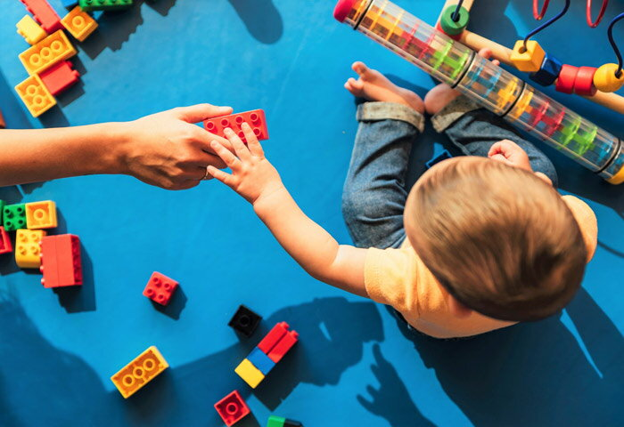 【月齢別】0歳におすすめの知育玩具12選!好奇心をくすぐるおもちゃたち