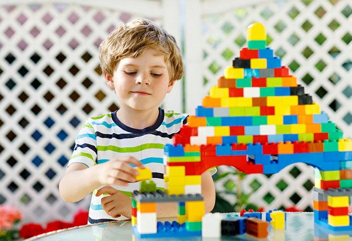 4歳向けの知育玩具12選!男の子も女の子も喜ぶ人気おもちゃを紹介