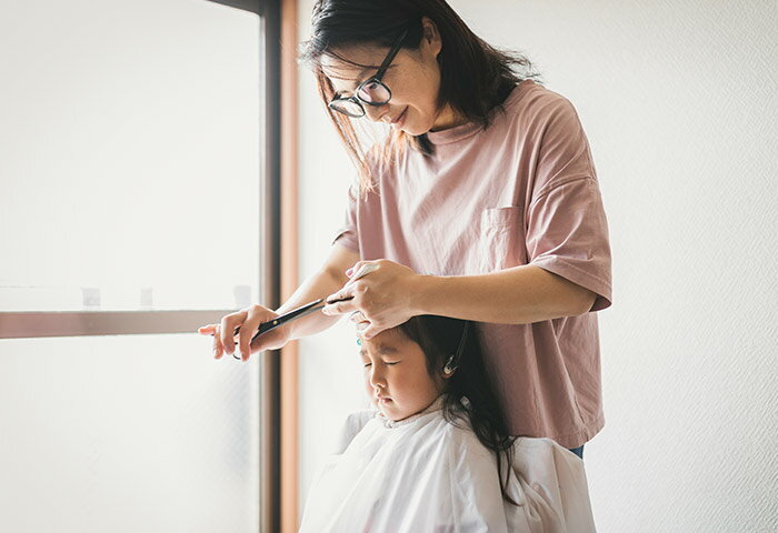 美容師直伝!失敗しないキッズ&ママの簡単セルフカット術