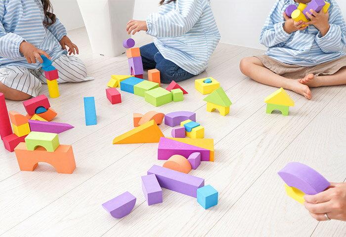 子どもの学びを育てる知育教育とは?おもちゃ・アプリ・教室どれがいいの?