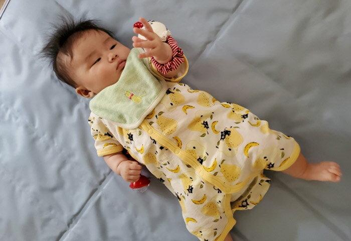 赤ちゃんがハンドリガードするのはいつからいつまで?理由も解説