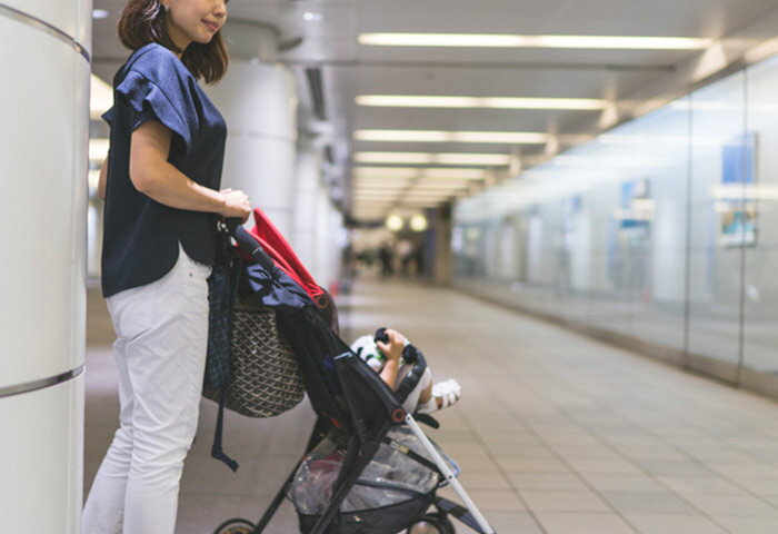 新幹線にベビーカーを持ち込む際のポイントとは? 予約すべき座席や置き場所を紹介!