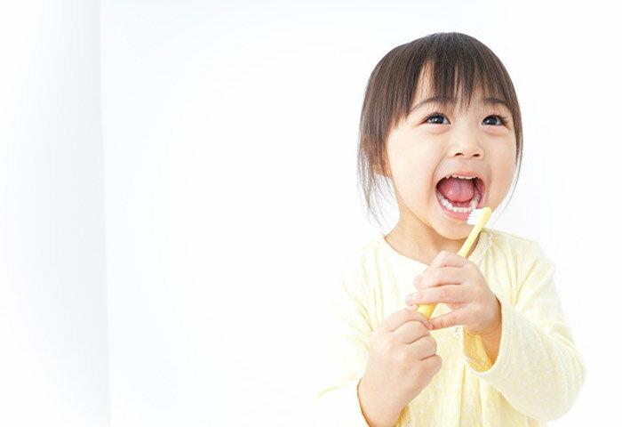 子どもの歯は虫歯になりやすい?予防方法やそのコツを解説!【歯科医監修】