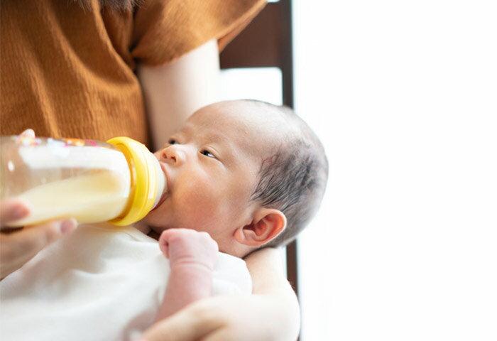 卒乳はいつからできる?赤ちゃんが卒乳する適切なタイミングや進め方を紹介