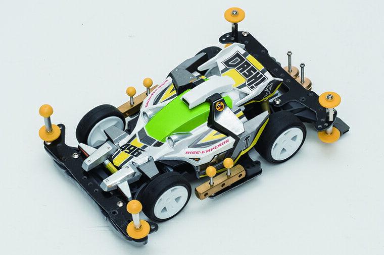 最初に揃えたいミニ四駆のパーツ6選