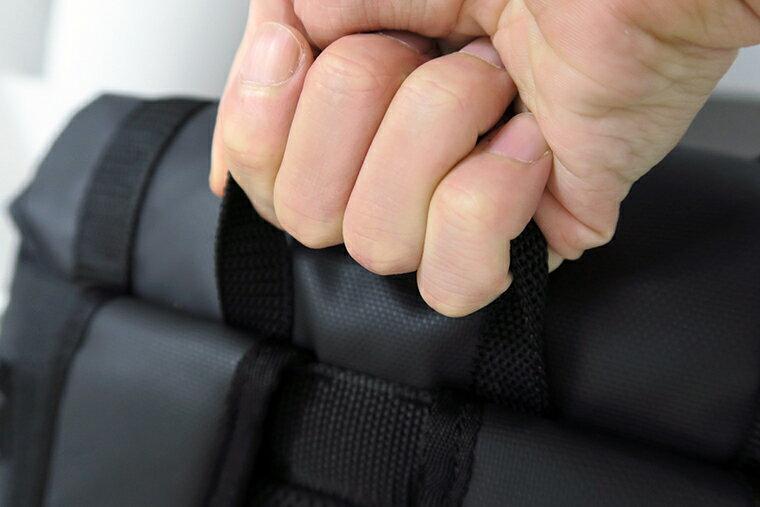 4本の指がしっかりと通る安定したつくり