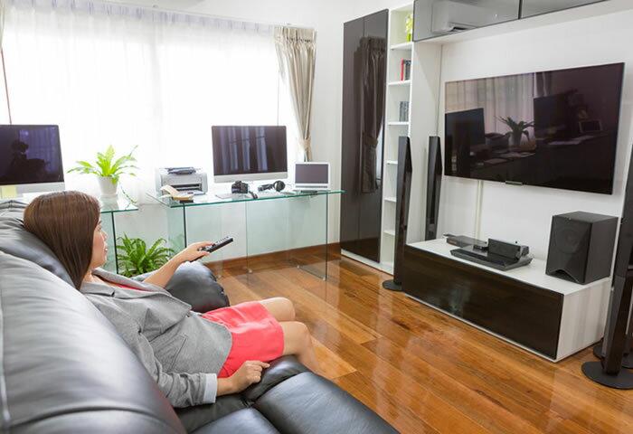 テレビの音を手軽に改善! 設置環境に応じて選びたいホームシアターのスピーカー4選