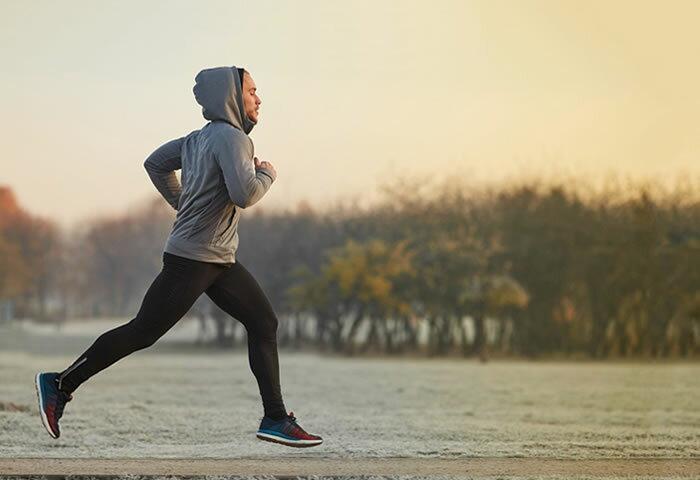 冬ランは脂肪が燃えやすいってホント!? 冬でもがっちり走りたい人におススメのランニングアイテム5選