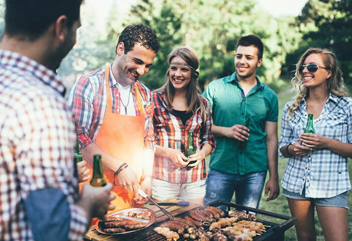 GWのアウトドア、BBQに必携! 手軽に運べる折りたたみグリル&テーブル6選