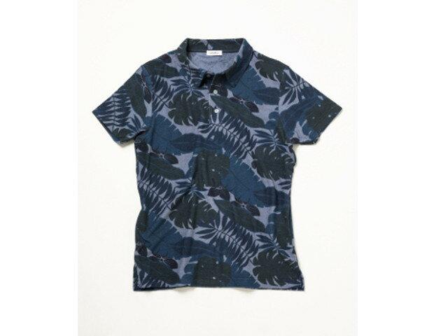 パイル地&同色系のボタニカル柄が大人の雰囲気を醸す『シーグリーン』のポロシャツ