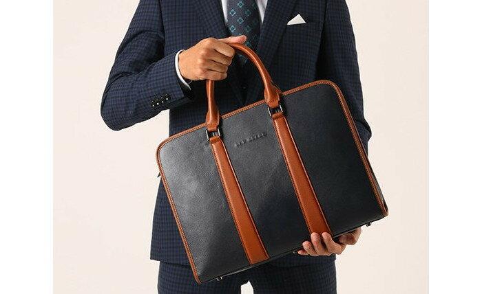 タウンユースにビジネスに大活躍 大人の魅力がアップする本革バッグ