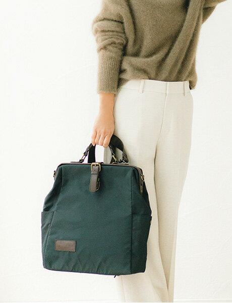 ビッグサイズのトートバッグだから荷物が多いママも安心