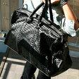 黒い大きめのバッグ