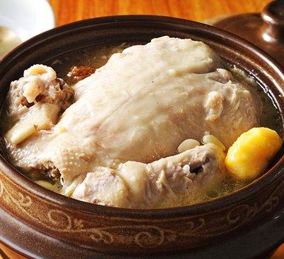 丸ごと参鶏湯(サムゲタン)