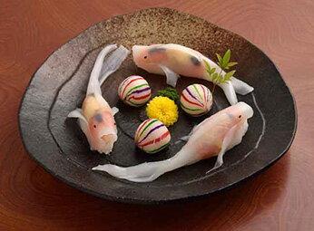 イカの薄引きで造る錦鯉が人気!寿司の竜宮城(菊姫)