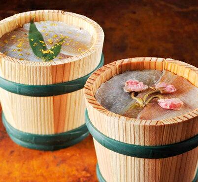 金箔と桜花入り小鯛の笹漬け(ささ漬け)