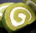 挽き立ての抹茶をたっぷり使って濃厚な、伊藤久右衛門の宇治抹茶ロールケーキ