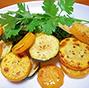 ズッキーニのカレー風味ソテー、生湯葉ワサビ添え。