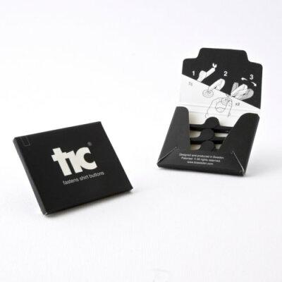 針と糸がいらないボタン付けキット「tic」 ブラック 4コ入(1セット)