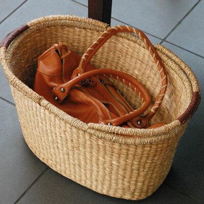 シーグラスで編まれたハンドル付きオーバル型バスケット(vn50563)