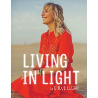 Living in Light /BOOKBABY/Chloe Elgar